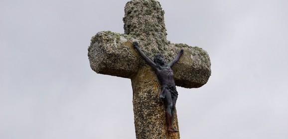 """""""Contorsionarea"""" lui Dumnezeu şi postmodernismul"""